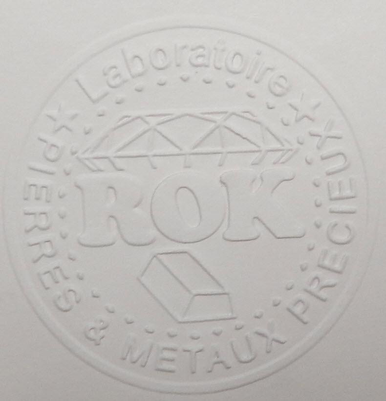 gaufrage papier d'un logo