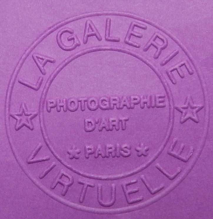 gaufrage carton pour une galerie d'art